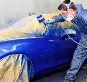 Покраска деталей кузова автомобиля вцентре кузовного ремонта «Триумф»