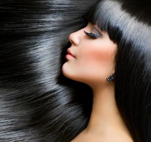 Стрижка, праздничная укладка, окрашивание, мелирование или ламинирование волос встудии красоты «Персона»