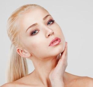 Чистка лица, RF-лифтинг, пилинг лица навыбор, прокалывание ушей либо пирсинг вцентре эстетической косметологии имассажа Alex