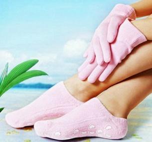 Маникюр перчатки и носочки