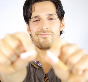 Кто обращался к гипнотерапевту чтобы бросить курить