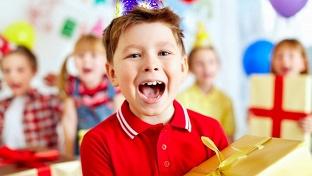 Купоны для детей. Проведение двухчасового или трехчасового детского дня рождения для 5 детей с услугами аниматора и праздничной программой в будние или выходные дни в антикафе greentime -52% - купон в Екатеринбурге