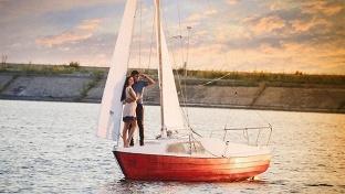 Купоны для детей. Парусная прогулка для взрослого, ребенка или компании до 4 человек по озеру шарташ на парусной яхте «Ассоль» от компании rent-a-boat -51% - купон в Екатеринбурге