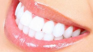 Клинике. Ультразвуковая чистка зубов или профессиональная гигиена полости рта airflow для одного или двоих в стоматологической клинике «Доктор берлиналь» -70% - купон в Екатеринбурге