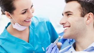 УЗ-чистка зубов, AirFlow