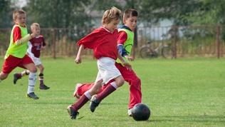 Занятия вшколе футбола