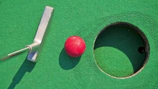 Игра вмини-гольф