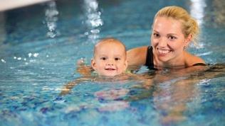 Занятия плаванием