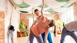 Занятия фитнесом, танцами