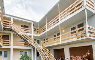 Отеле «Эйфория»