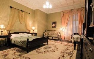 Отель «Золотая середина»