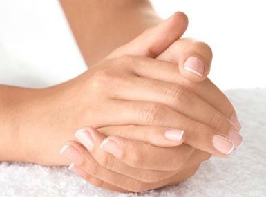 Руки маникюр одна рука простой