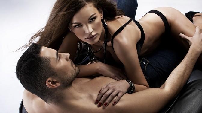 Секс втроем 2 мужчины видео попали