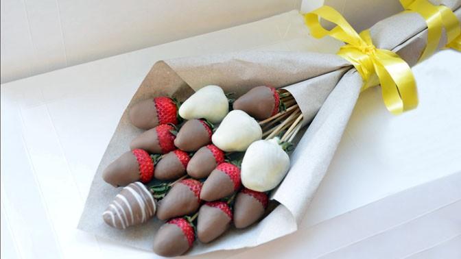 Клубника в шоколаде букет купить в москве