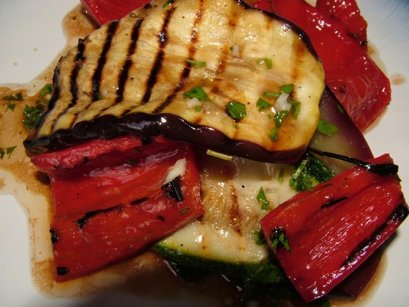 Салат из овощей гриль фоторецепт