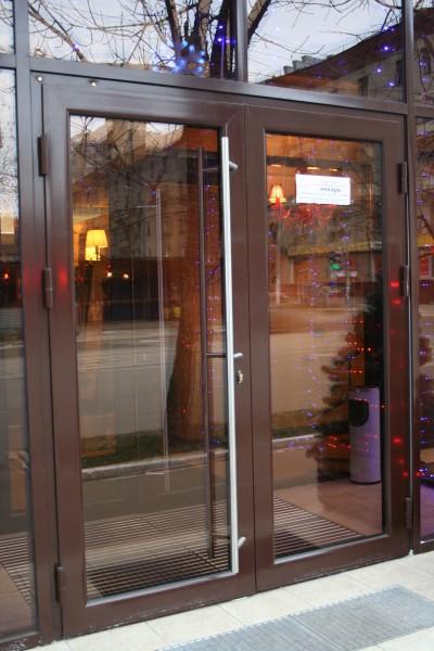 стеклопакет входная дверь в магазин