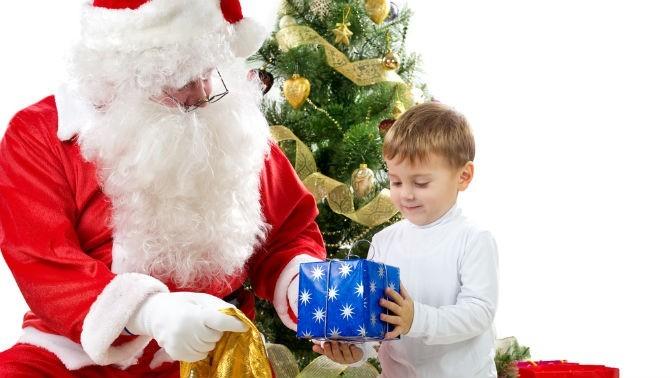 Дед мороз подарит нам подарки 917