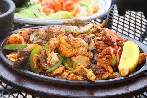 Аутентичная мексиканская кухня.  Есть позиции из европейского меню.