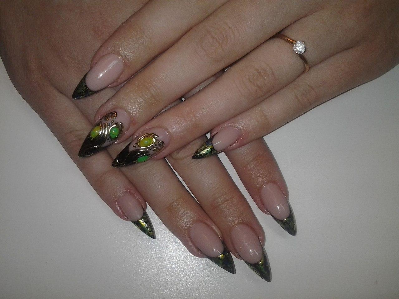 Ногти френч с жидкими камнями фото
