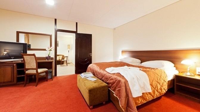 Отель на воде «40-й меридиан Арбат»