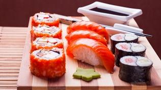 Роллы, суши исеты