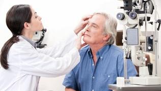 Обследование зрения