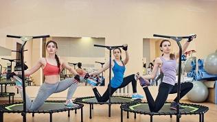 Занятия джампинг-фитнесом