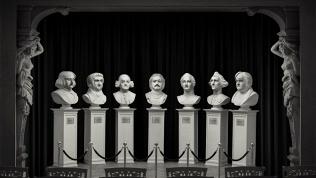 Шоу оживших скульптур