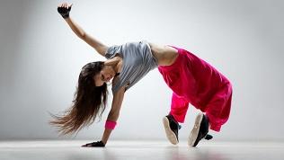 Занятия танцами, фитнесом