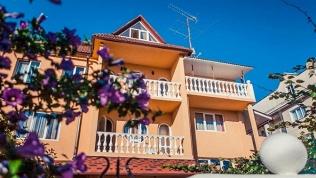 Anzhela-Lantana Hotel