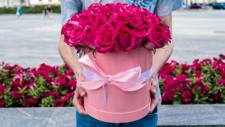 Розы, цветы вкоробке