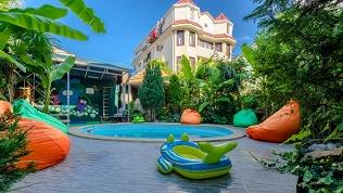 Отель «Банановый рай»