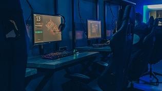 Игра вкомпьютерном клубе