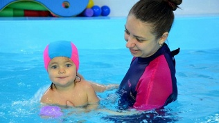 Плавание для ребенка
