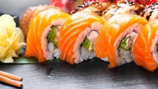 Служба доставки Sushi Aki