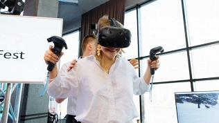 Игра вшлеме HTC Vive