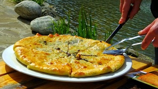 Осетинские пироги, пиццы