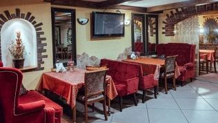 Ужин вкафе «Жара»