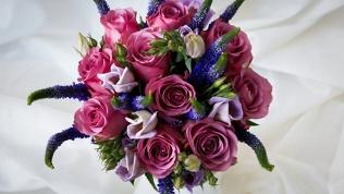 Букеты из роз, тюльпанов