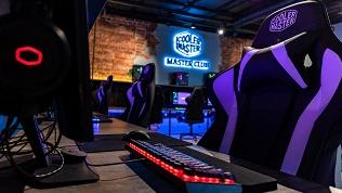 Игры вкомпьютерном клубе