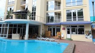 Отель «Янаис»