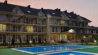 Отель «Ревю»