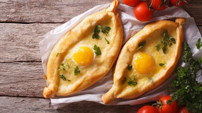 Пицца, пироги ихачапури отслужбы доставки DaVinci