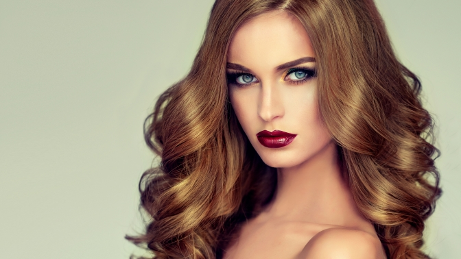 Женская или мужская стрижка, окрашивание, мелирование либо колорирование всалоне красоты «Модерн»
