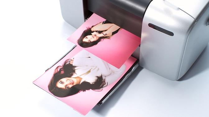 Печать фотографий или двухсторонних визиток вкопировальном центре Fotolife
