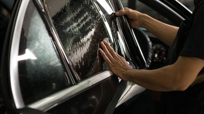Тонирование стекол или задних фар, нанесение съемной силиконовой тонировки отустановочного центра Siltone
