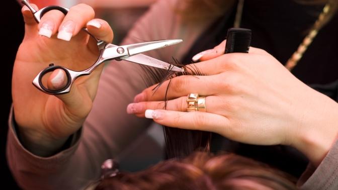 Стрижка, укладка или окрашивание волос встудии красоты «Профи»