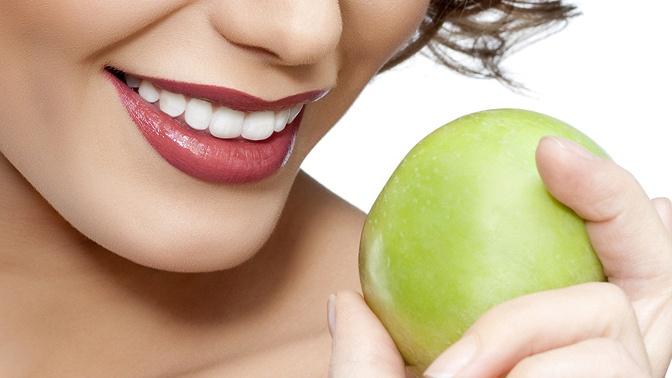 Гигиена полости рта спроцедурой отбеливания или без, установка коронок либо лечение кариеса вклинике «Семейная стоматология»