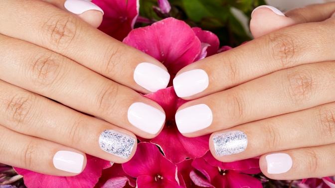 Маникюр, педикюр вместе или поотдельности спокрытием ногтей гель-лаком иукреплением гелем всалоне красоты «Лилия»