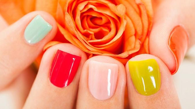 Маникюр ипедикюр спокрытием ногтей гель-лаком встудии красоты «Красивой будь!»